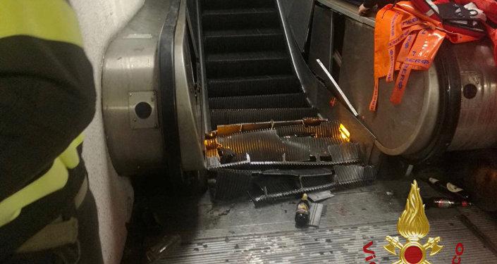 l'accident d'escalator dans le métro de Rome