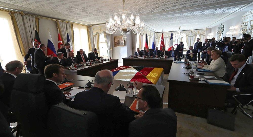 Un nouveau sommet quadripartite France-Russie-Turquie-Allemagne en gestation?