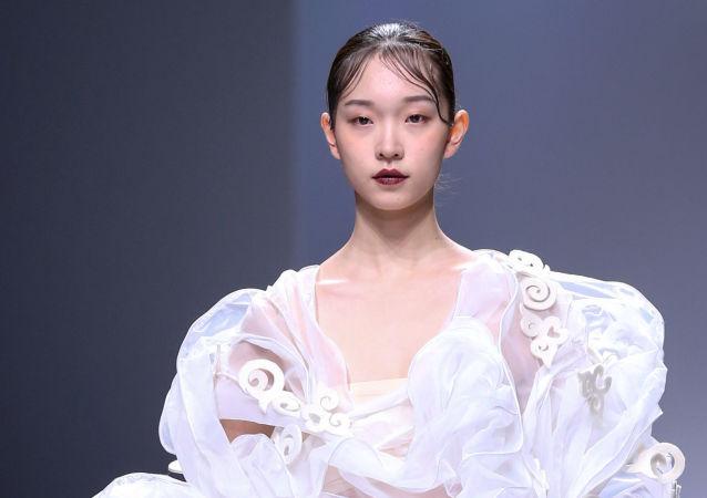 Les plus belles tenues de la China Fashion week à Pékin