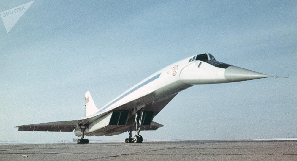 Un Tu-144