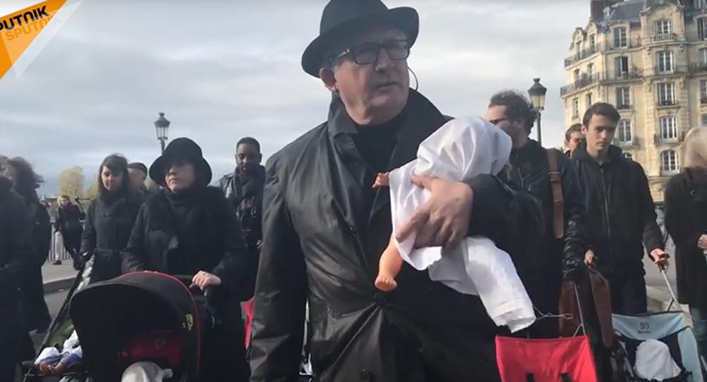 «Marche funèbre» de poussettes pour dénoncer la pollution de l'air