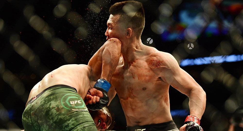 La dernière seconde du combat entre Jung Zombie coréen et Rodriguez