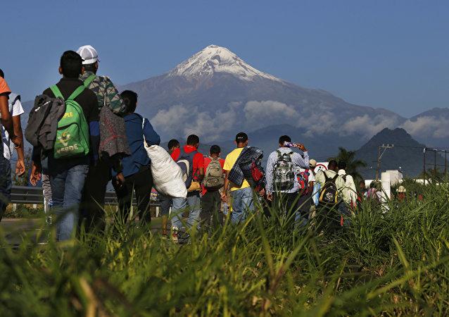 Des migrants d'Amérique centrale en route vers les États-Unis