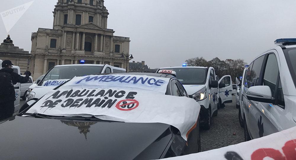 Les ambulanciers ne décolèrent pas: nouvelle action à Paris, 16 novembre 2018
