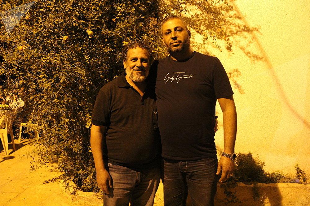 Abou Marwan Charqi (à gauche) et un autre membre de la Garde