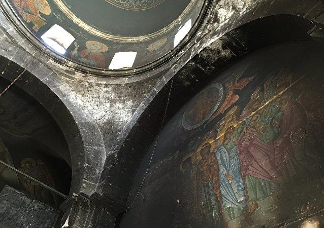 Une église orthodoxe dans la ville syrienne de Maaloula pillée par des terroristes du Front al-Nosra