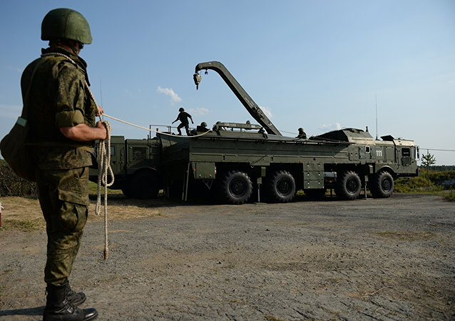 Déploiement d'un système de missiles Iskander