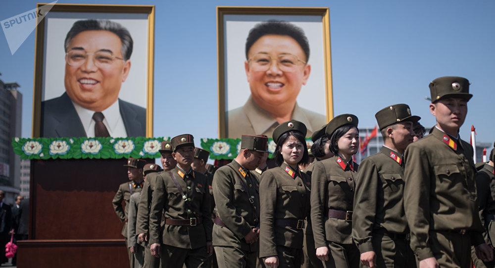 Les portraits de Kim Il-sung et Kim Jong-il