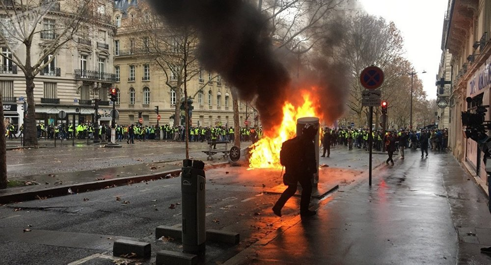 Image result for paris gilets jaunes