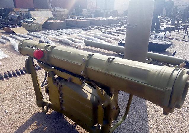 Un dépôt d'armes des terroristes découvert dans le sud de la Syrie