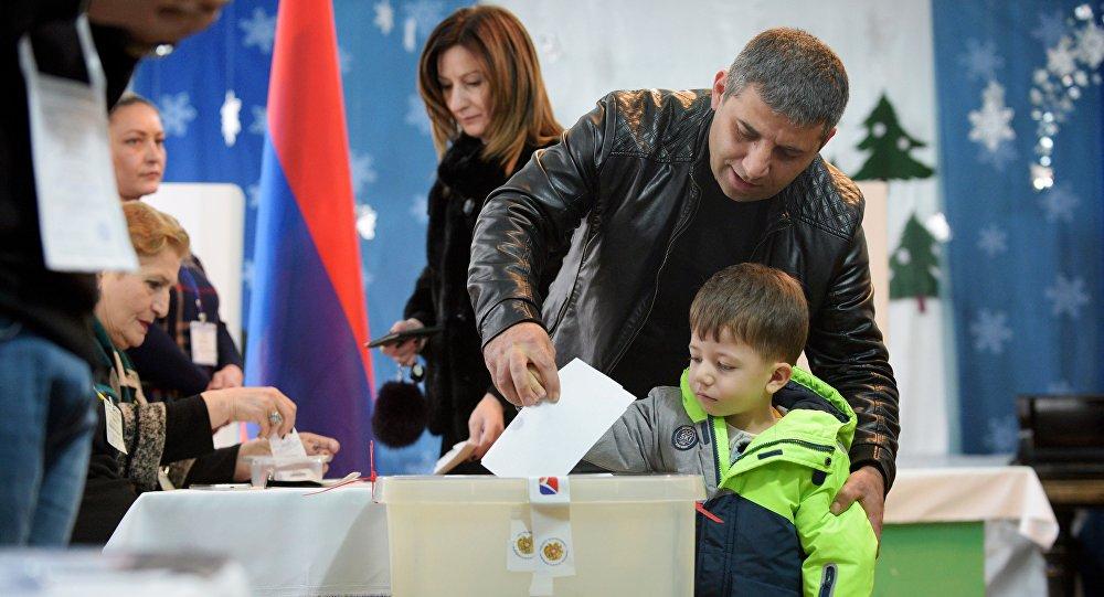 les élections législatives anticipées en Arménie