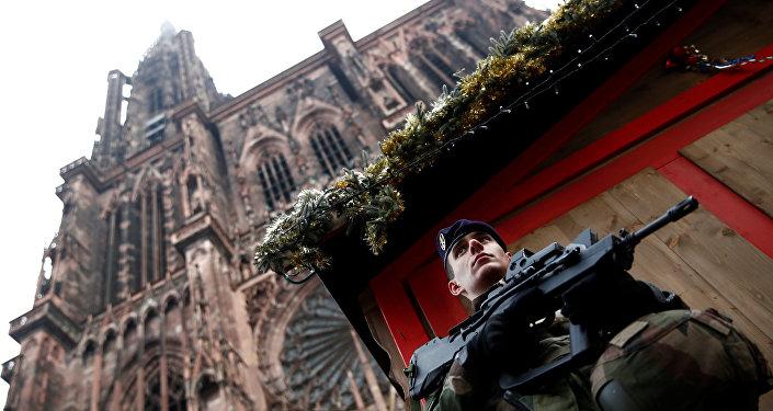Strasbourg: la police lance un appel à témoins et confirme la photo du suspect