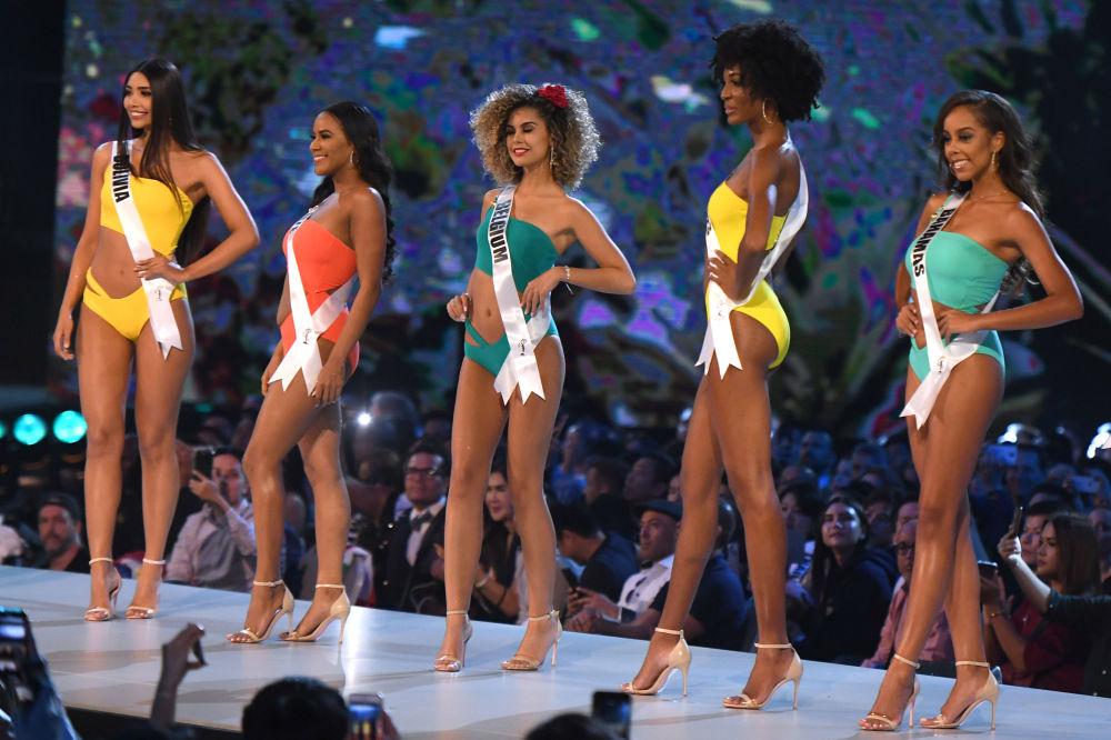 Les participantes au concours Miss Univers 2018 ont défilé en maillots de bain