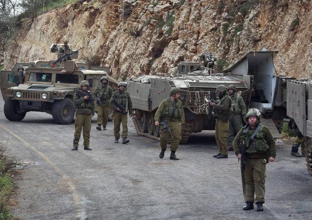 Militaires israéliens à la frontière avec le Liban