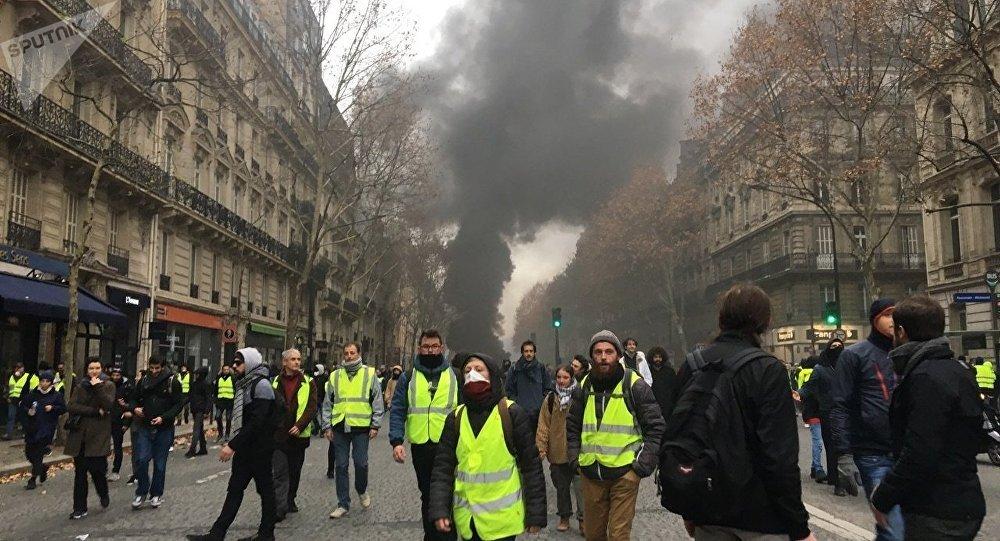 L'acte 6 des Gilets jaunes pour l'anniversaire de Macron?