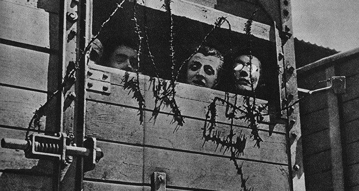 Juifs emmenés dans un camp d'extermination nazi pendant la Seconde Guerre mondiale