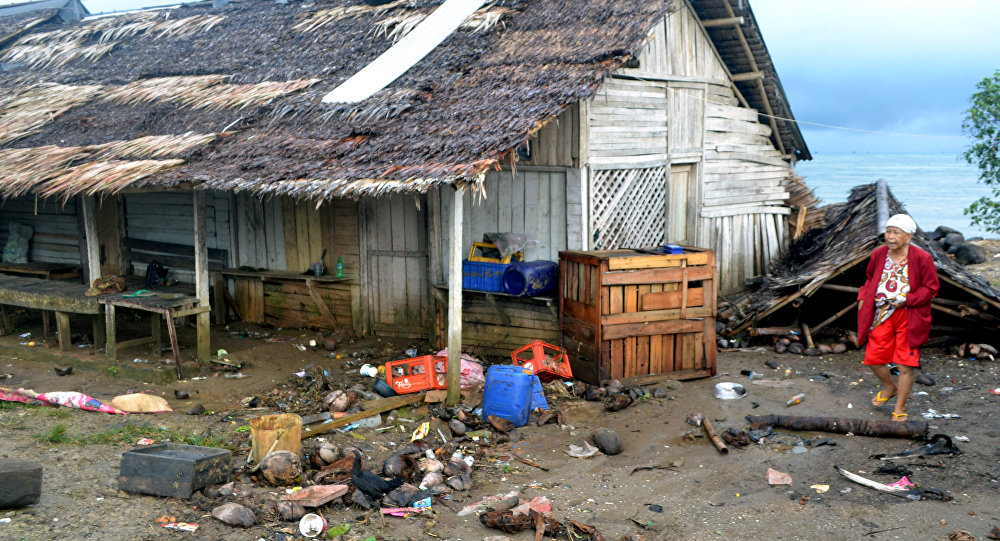 Le passage devastateur d'un tsunami en Indonésie