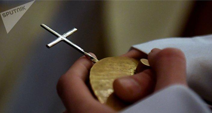 croix catholique, image d'illustration