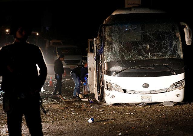 l'explosion d'un bus touristique au Caire