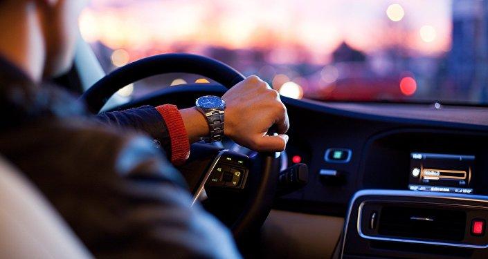 Un conducteur (image d'illustration)