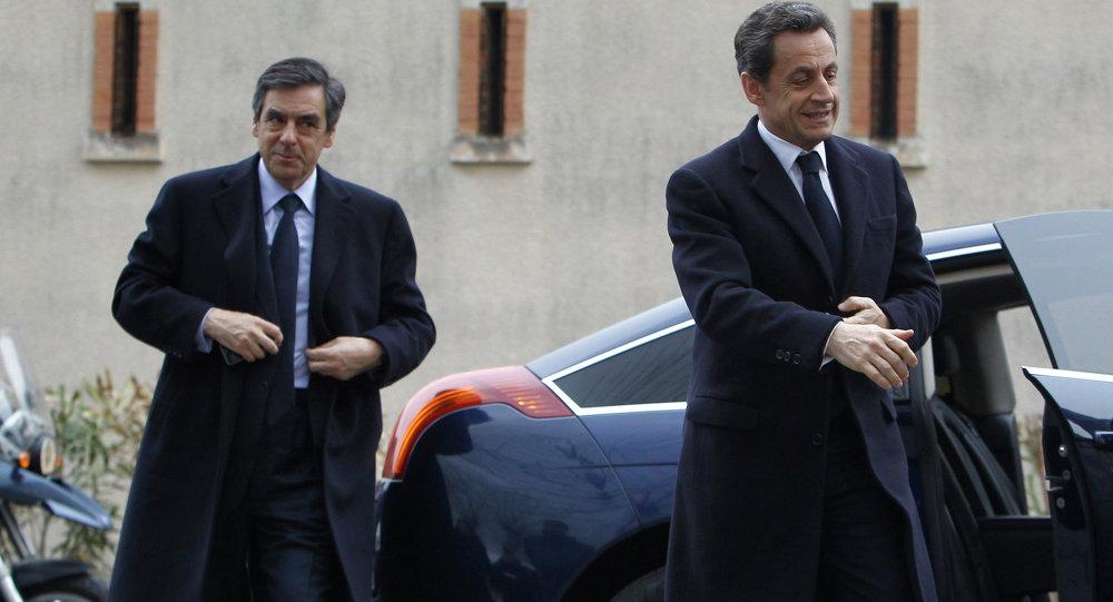 France's President Nicolas Sarkozy, right, and Prime Minister Francois Fillon
