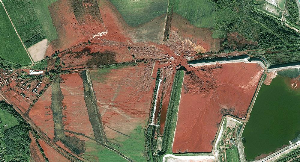 Boue rouge (Image d' illustration)