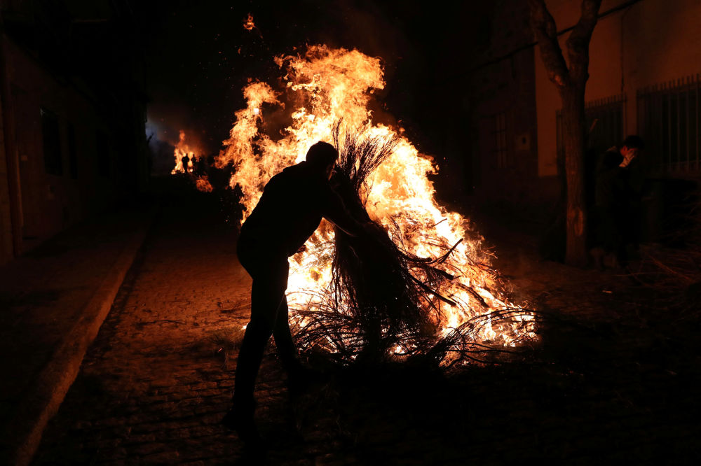 Purification par le feu: le festival Las Luminarias en Espagne