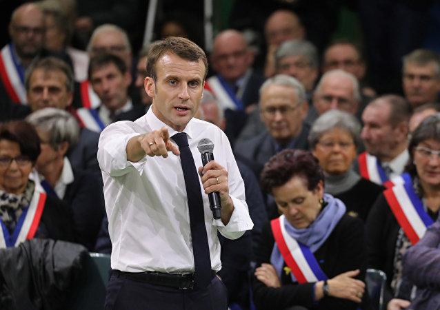 Emmanuel Macron au grand débat