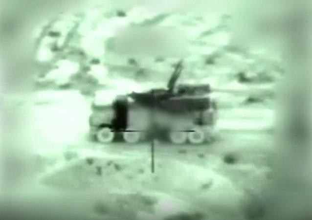 des images de la destruction de DCA syriennes par Israël