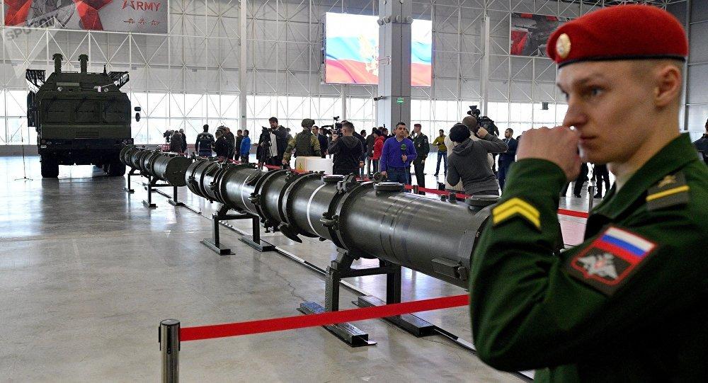Démonstration du missile 9M729 aux attachés militaires