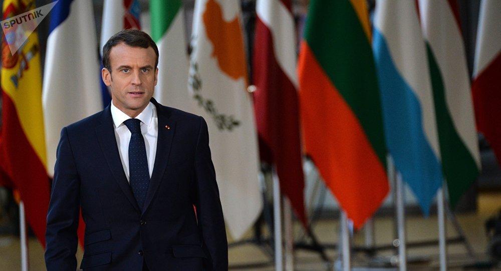 Emmanuel Macron tient un point presse à Bruxelles