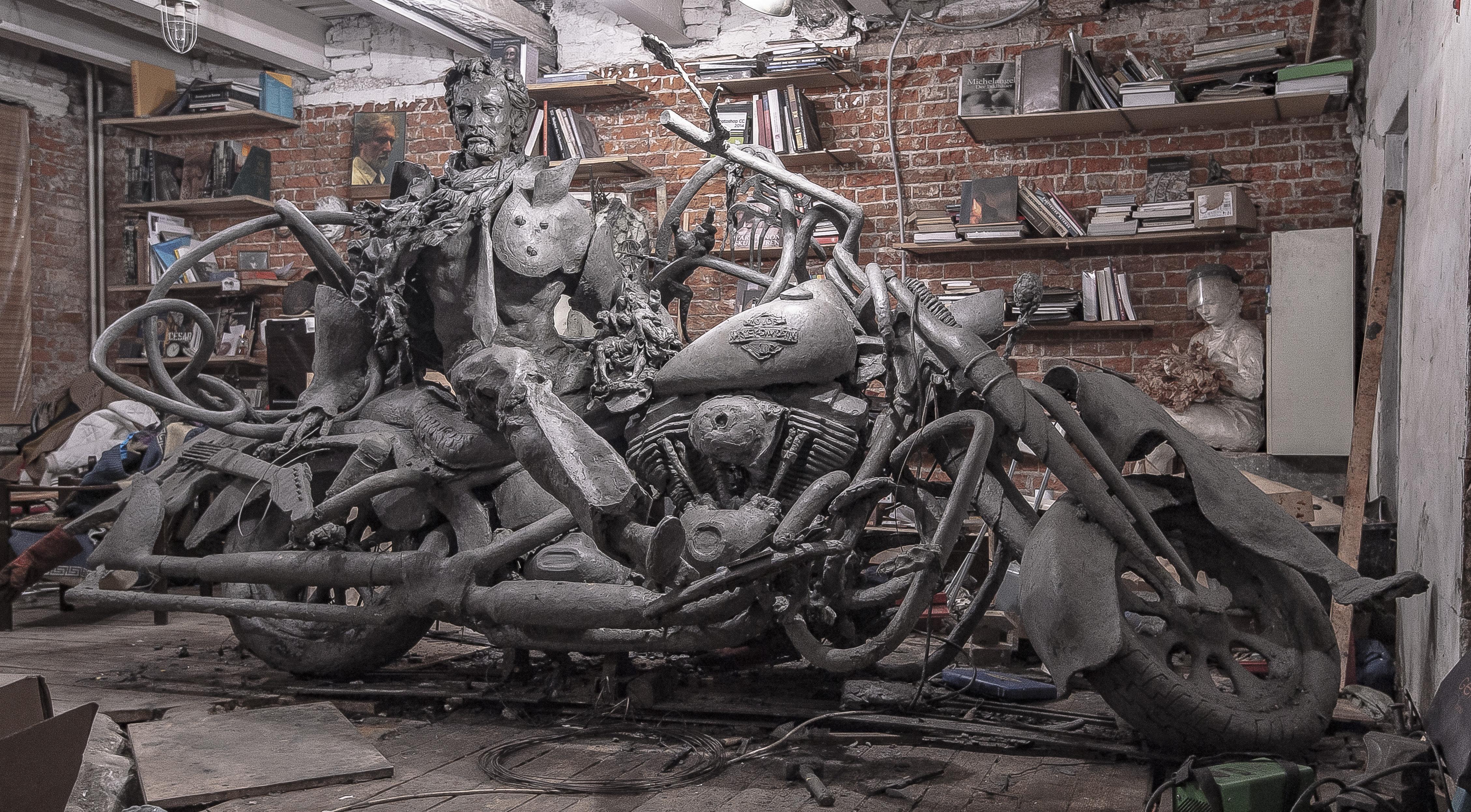 Statue de Johnny Hallyday du sculpteur russe, Alexey Blagovestnov