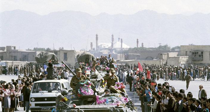 Adieu aux troupes soviétiques à Kunduz