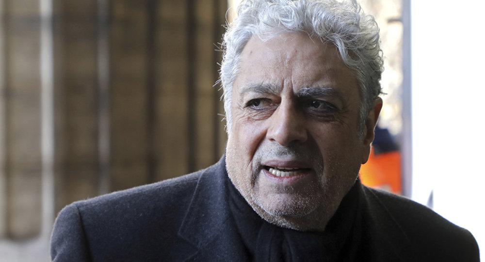 Condamné à rembourser 30 millions d'euros — Enrico Macias