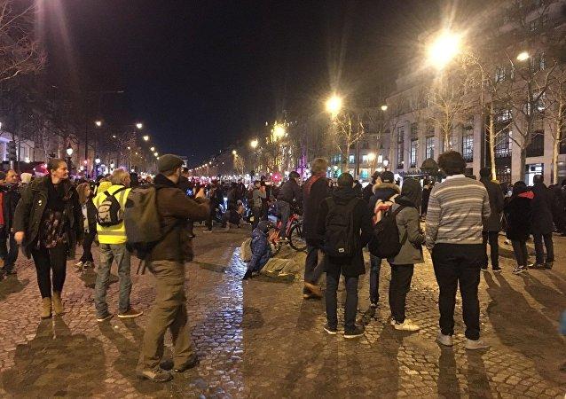 Gilets jaunes sur les Champs Elysées lors de l'Acte 14