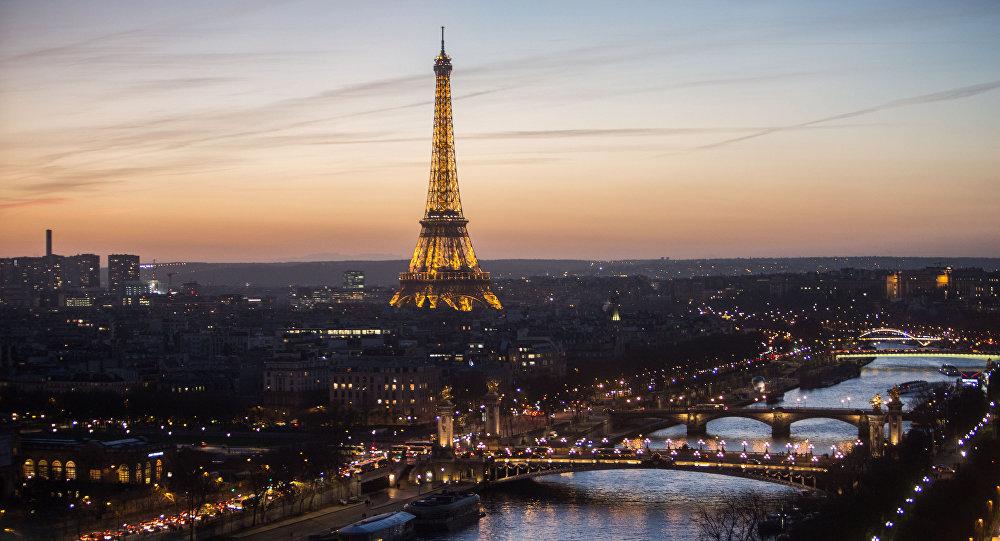 Une femme retrouvée décapitée à Paris, sa tête dans le four