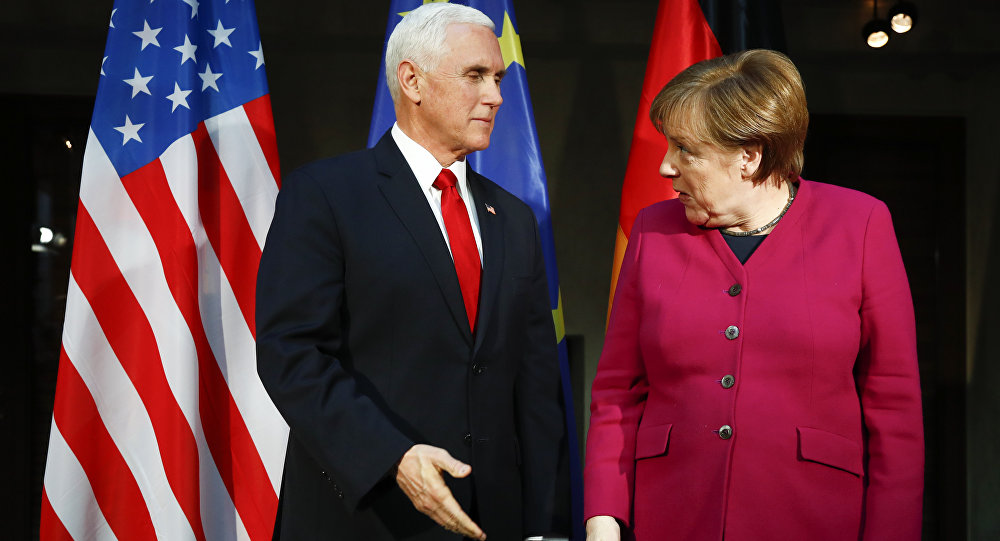 Angela Merkel et Mike Pence