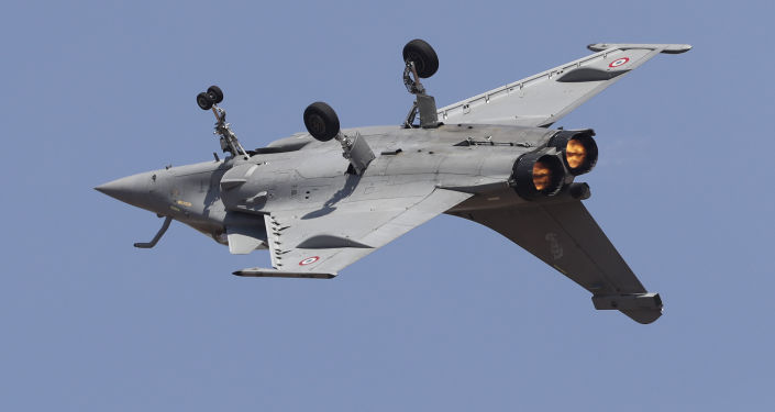 Un avion de chasse Rafale au spectacle aérien Aero India 2019