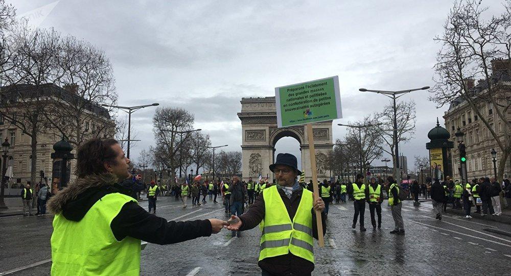 Les Gilets jaunes se mobilisent à Paris pour leur acte 17, le 9 mars