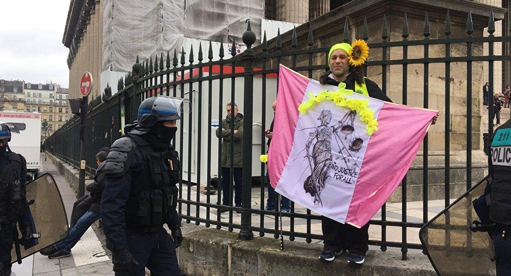 Les Gilets jaunes se mobilisent à Paris pour leur acte 17, le 3 mars