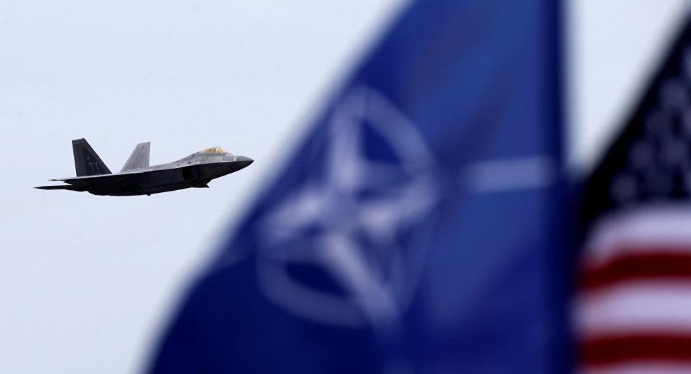 Le patron de l'Otan commente le retrait partiel des troupes US d'Allemagne
