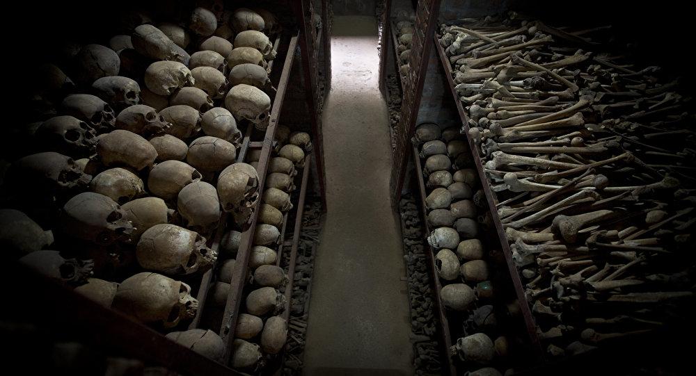 Crânes de Rwandais massacrés en 1994