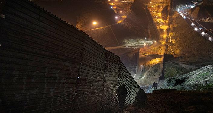 Mur entre les États-Unis et le Mexique