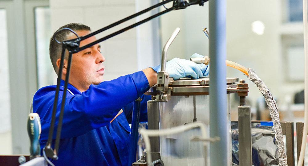 Andreï Kovalski, chercheur en chef au laboratoire des nanomatériaux non organiques