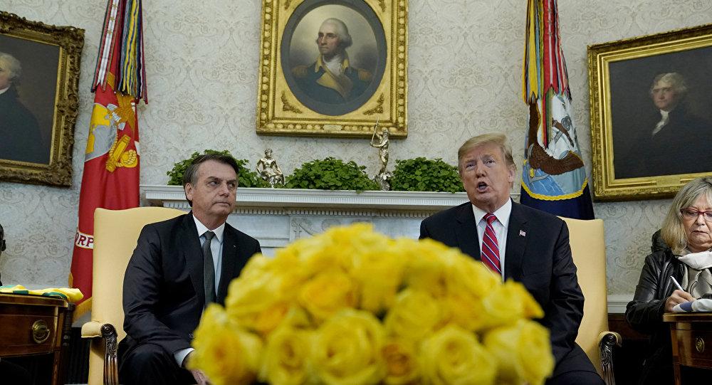 À Washington, le Brésilien Bolsonaro