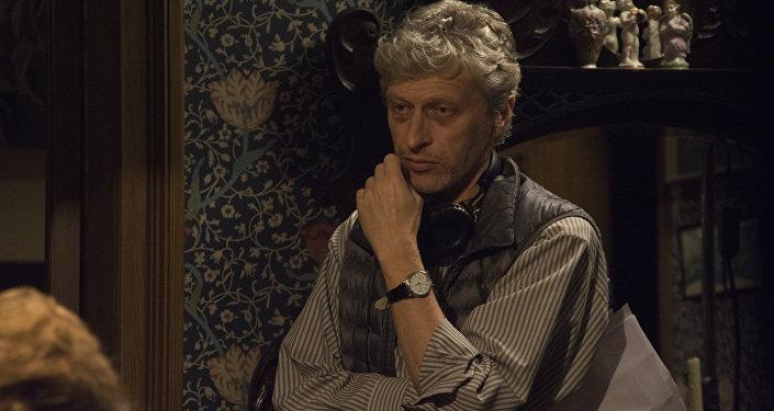 Le réalisateur Sergueï Livnev lors du tournage du film Les Van Goghs