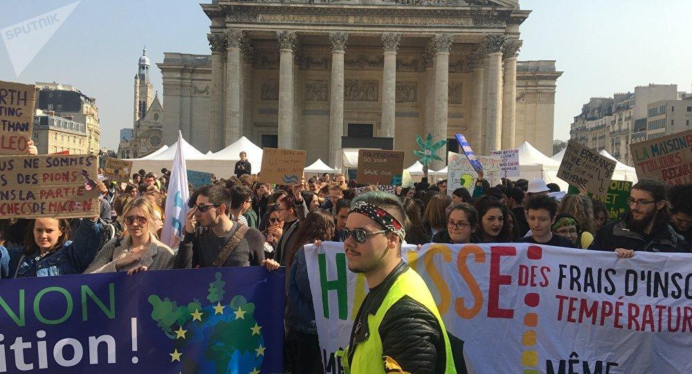Mobilisation des étudiants à Paris, archives