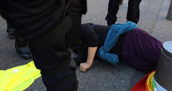 Une militante des Gilets jaunes Geneviève Legay blessée à Nice