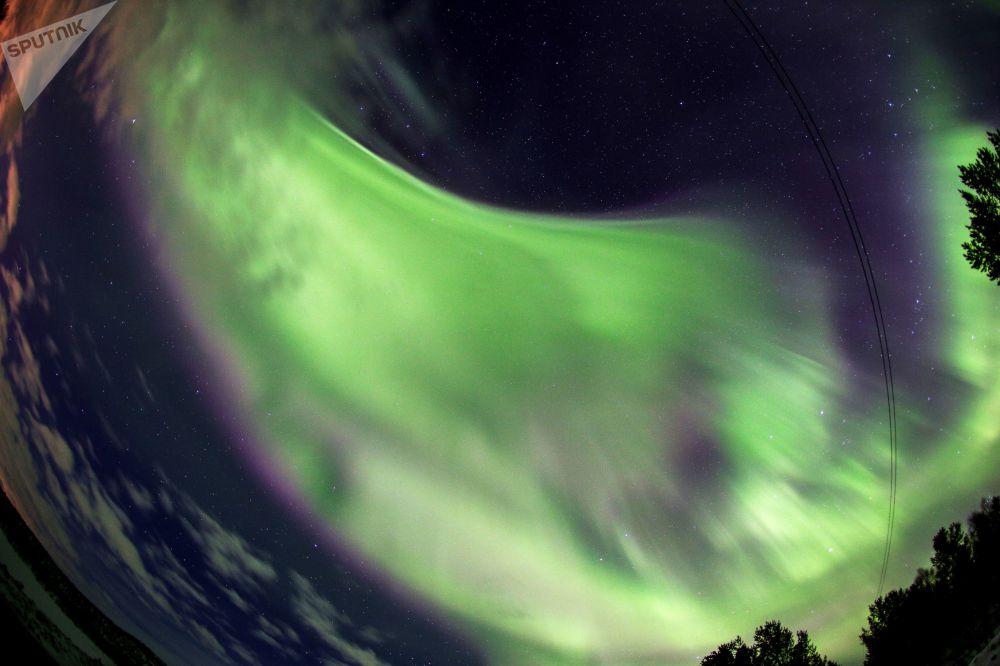Lumières irréelles: les aurores polaires dans la région de Mourmansk