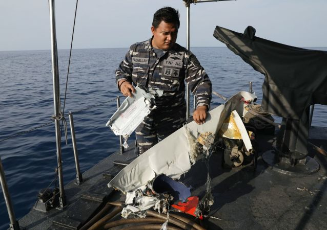 Sur les lieux du crash d'un Boeing 737 MAX de Lion Air en Indonésie